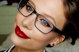 كيف تحصلي على ماكياج رائع مع النظارات الطبية ؟