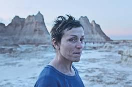 """كبار النقاد في أمريكا يختارون فيلم """"نوماندلاند"""" كأفضل فيلم لعام 2020"""