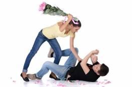 أفعال تقوي علاقتك بزوجك.. لن تصدقيها !