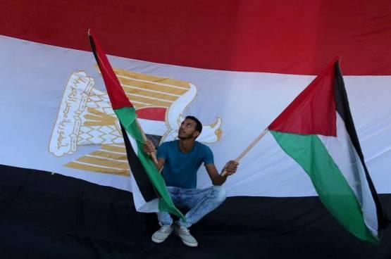 رئيس تحرير الشروق المصرية للفلسطينيين: احترسوا من الفخاخ الإسرائيلية
