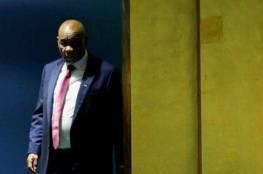 """رئيس وزراء """"يهرب"""" قبل اتهامه رسميا بقتل زوجته"""