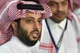 فيديو: تركي آل الشيخ يتلقى لقاح فايزر ويدعو الجميع لأخذه