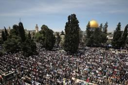 45 ألفا يؤدون صلاة الجمعة في رحاب المسجد الأقصى