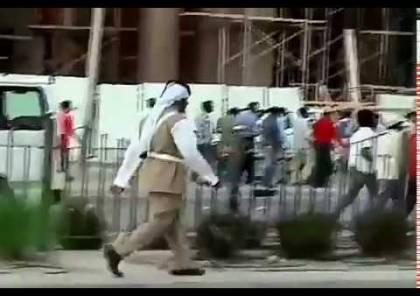عمال أجانب يتظاهرون في الدوحة مطالبين بدفع أجورهم ويغلقون طريقا رئيسية في حي مشيرب