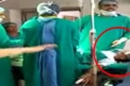 فيديو.. شجار بين طبيبين أثناء إجراء عملية جراحية لحامل!