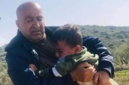 مستوطنون يحاولون اختطاف طفلين فلسطينييْن بعد الاعتداء على عائلتهما