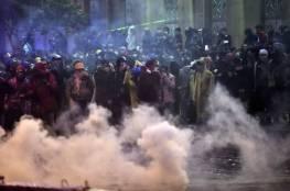 75 مصابا في مواجهات بين الأمن ومحتجين قرب البرلمان في بيروت