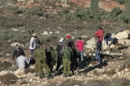 مستوطنون يمنعون المواطنين من الوصول الى أراضيهم جنوب الخليل