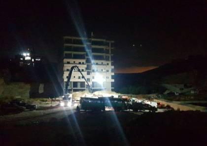 الاحتلال يخلي المئات من حي وادي حمص ويهدم 100 شقة سكنية