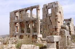 السياحة : قلعة دير سمعان الأثرية يتهددها الاستيطان والتنقيب عن الآثار معاً