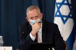 معاريف: هل سيكشف غانتس أكاذيب نتنياهو ويحسم أمره في مسألة الميزانية؟