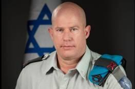 """صحفي إسرائيلي يترك مؤتمرا للناطق العسكري: """"يمارس التضليل"""""""