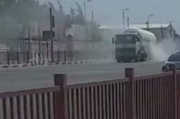 اشتعال النيران بشاحنة وقود على طريق صلاح الدين وسط قطاع غزة