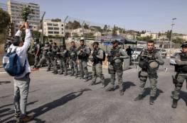 """صحيفة إسرائيلية: هكذا يصبح وجود الفلسطيني على أرضه """"إحساناً واستثناء إنسانياً"""""""