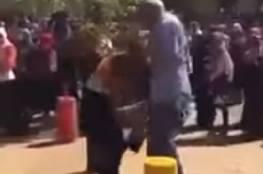 شاهد: غضب في السودان بسبب فيديو لرئيس جامعة يضرب طالبتين