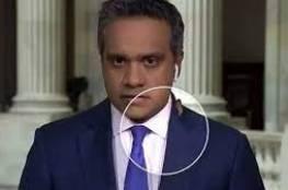 صرصور يتنزه على مراسل في بث مباشر من الكونغرس.. شاهد ردة فعله!