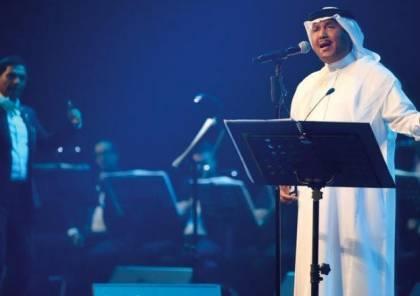 كيف علق محمد عبده على تجاهل تركي آل الشيخ مصافحته؟
