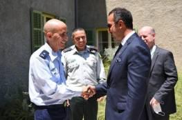 """رؤساء وملوك عرب زاروا الموساد سراً.. ونشر صور مسؤول بحريني مع ضابط إسرائيلي """"رسالة لإيران"""""""