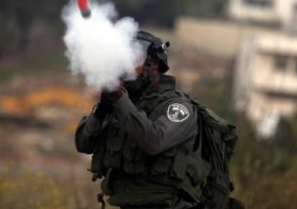 اصابات بالاختناق جراء إطلاق الاحتلال قنابل غاز شرق خانيونس