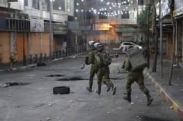 إصابتان بالرصاص والعشرات بالاختناق خلال مواجهات مع الاحتلال في الخليل