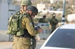 حاجز للاحتلال شرق قلقيلية واعتقال شاب من عزون