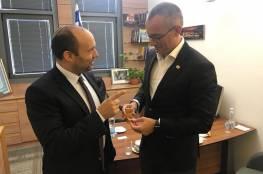 مالدينوف يناقش قضية غزة مع نتنياهو و بينت