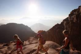 إسرائيل تكشف شروط موسم السياحة إلى سيناء