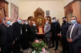 """اللواء """"أبو نعيم"""" يزور كنيسة """"الأرثودوكس"""" للتهنئة بعيد الميلاد"""