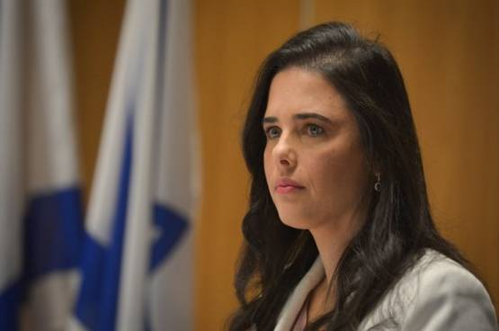 شاكيد: نقل وزارة العدل إلى حزب أزرق أبيض احتيال