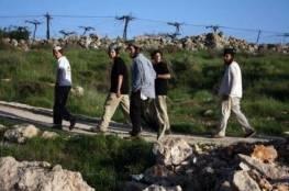 مستوطنون يقتحمون جبل صبيح جنوب نابلس