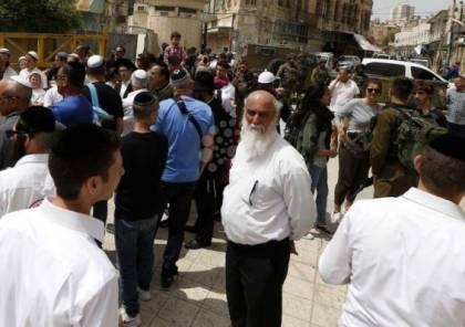 عشرات المستوطنين يقتحمون بلدة السموع لإقامة صلوات تلمودية