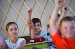كيف أساعد ابني على التأقلم بعد نقله إلى مدرسة جديدة؟
