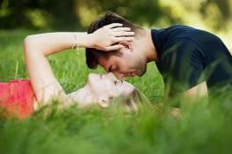 ما الذي يطيل عمر العلاقة الزوجية الجنس أم المال؟