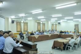 بلدية خانيونس ووكالة الغوث تنظمان ورشة عمل لمناقشة مشاريع تطوير المخيم
