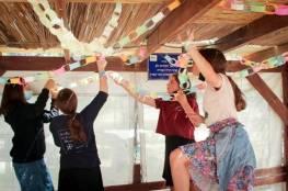 اليهود يبدأون باحتفالات وطقوس عيد العرش