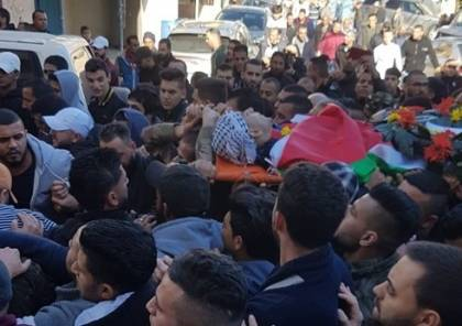 """الاف الفلسطينيين يشيعون الطفل الشهيد """"نخلة"""" في مخيم الجلزون شمال رام الله"""