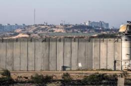 الجيش الاسرائيلي يواصل نشر الجداران الاسمنتية على طول حدود غزة (فيديو)
