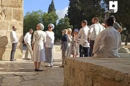 290 مستوطناً يقتحمون الأقصى بذريعة إحياء أعيادهم.. وإغلاقات وتقييد للحركة في القدس