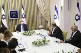 تحليلات إسرائيلية: نتنياهو وبينيت يستغلان عباس والقائمة الموحدة لمصلحتهما