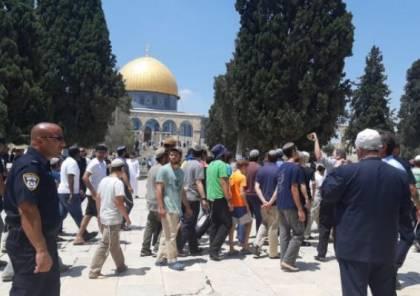 وفد عربي تطبيعي يشارك في اقتحام المسجد الاقصى