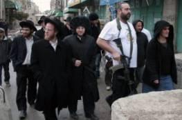 مستوطنون يهدّدون عائلة في الخليل بالقتل