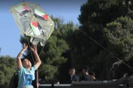 أطفال مخيم عايدة يطلقون طائرات ورقية تحمل آمالهم بالتحرير والوحدة