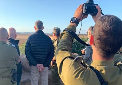 ميلادينوف يزور حدود غزة برفقة ضباط كبار في الجيش الإسرائيلي