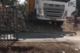 الاحتلال ينفذ أعمال تجريف بمقبرة الشهداء في القدس