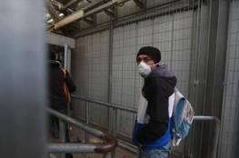"""""""الميزان"""" يستنكر الانتهاكات الإسرائيلية للعمال الفلسطينيين في ظل انتشار كورونا"""