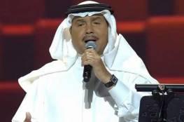 فيديو.. محمد عبده يستعرض مهاراته في كرة القدم