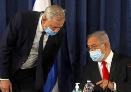 مسؤول رفيع في حزب غانتس يهاجم نتنياهو: يدفع لإجراء انتخابات جديدة