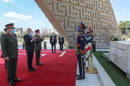كلمات سجلها الرئيس التونسي في دفتر الزيارات لضريح جمال عبد الناصر