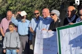 الاحتلال يقمع وقفة منددة بتهجير عائلة الشهيد عمر القاسم من الشيخ جراح