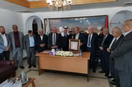 """""""جمعية رجال الأعمال"""" تكرم لجنة الإصلاح برئاسة داود الزير على جهودها في الإصلاح المجتمعي"""